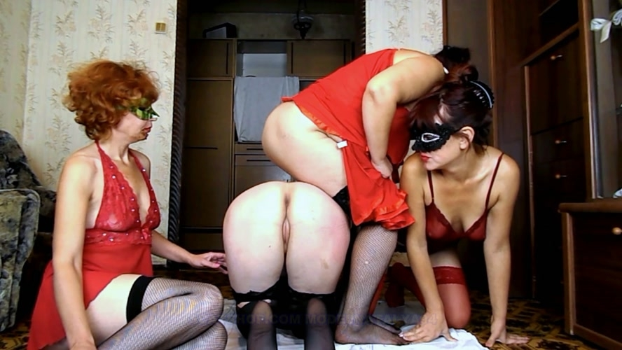 Four girls play cards on desire - FullHD 1920x1080 - (Actress: ModelNatalya94  2018)
