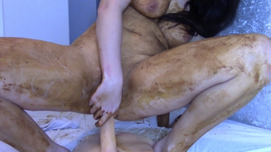 Legging Crackling Shit And Smear - FullHD 1920x1080 - (Actress: evamarie88  2018)