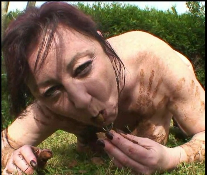 Outdoor Toilet Slut – French Scat Slut - HD 720p MPEG-4 Video 1280x720 25.000 FPS 4133 kb/s - (Actress: Chienne Mary 2018)