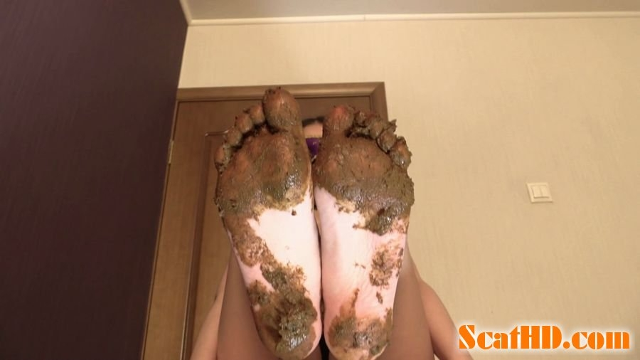 Mia Pov Foot smearing Scat with Princess Mia and toilet slave - FullHD Quality MPEG-4 Video 1920x1080 30.000 FPS 16.0 Mb/s - (Actress: Princess Mia 2018)