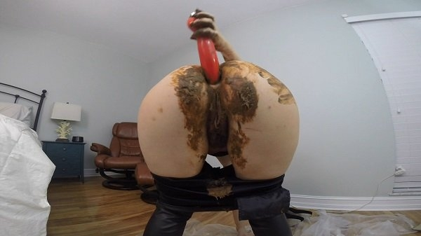 Leather PANTS POOP PLAY DAY - FullHD Quality MPEG-4 Video 1920x1080 29.970 FPS 13.4 Mb/s - (Actress: HotScatWife 2018)