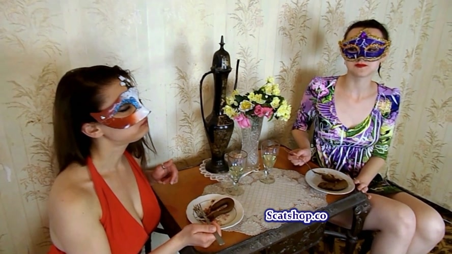 Carolina and Alice eat their poop - FullHD 1920x1080 - (Actress: ModelNatalya94 2019)