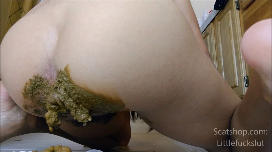 Big Poop in White Panties & Ass Smear - FullHD 1920x1080 - (Actress: littlefuckslut 2019)