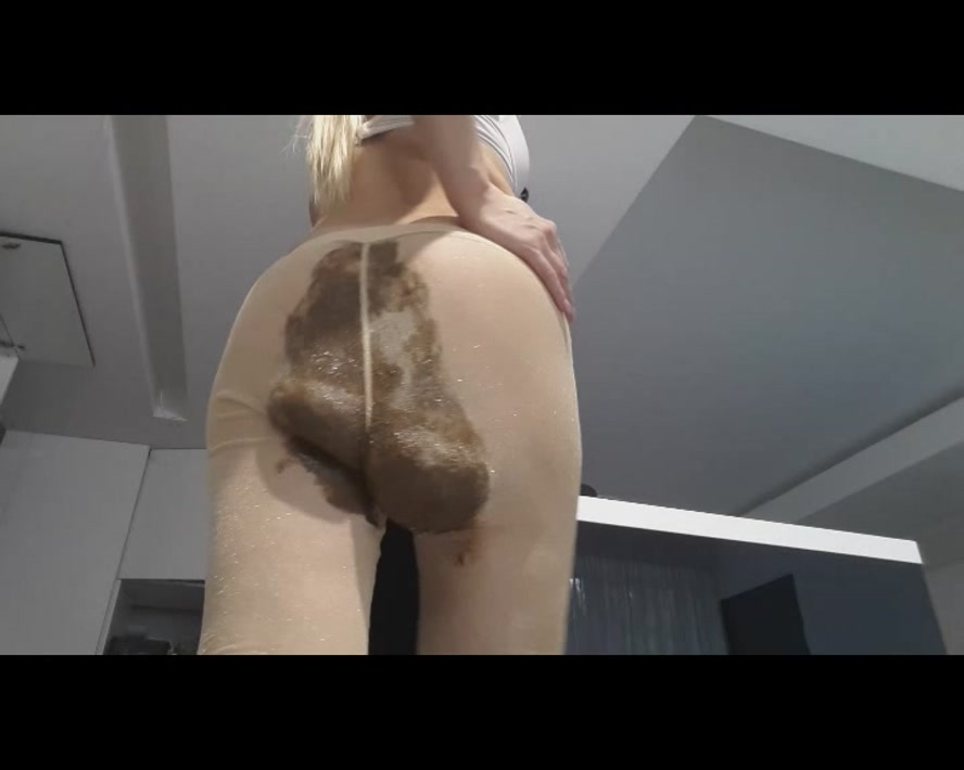 Golden Tights Crazy Poop - SD 720x576 - (Actress: thefartbabes 2019)