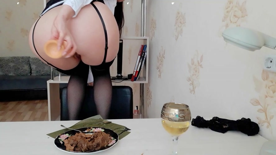 The day of shitty secretary. Lunch.(Part 2) - FullHD 1920x1080 - (Actress: ScatLina  2020)