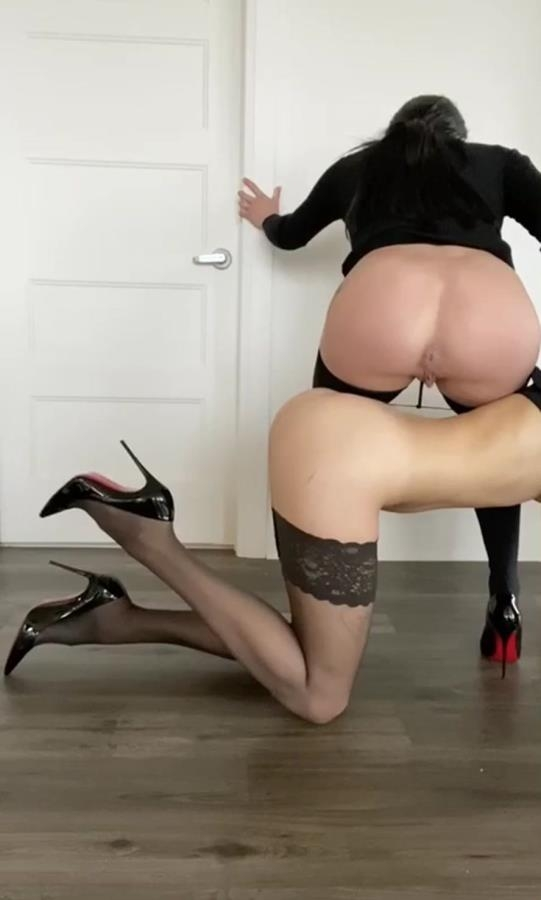 Business girls - HD 478x794 - (Actress: TheHealthyWhores  2020)