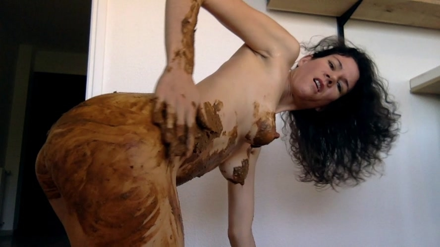 Playing poo and pee - HD 1280x720 - (Actress: nastymarianne  2020)